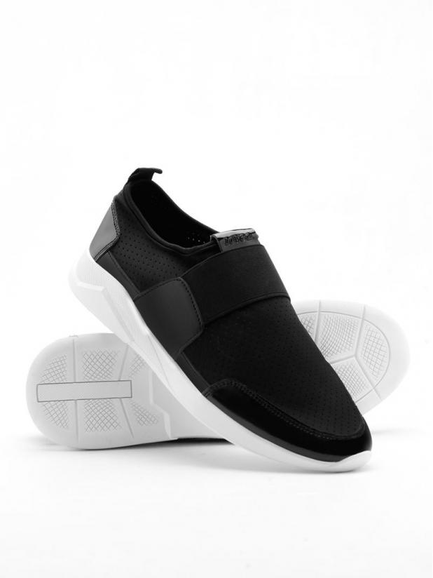 超轻透气运动鞋