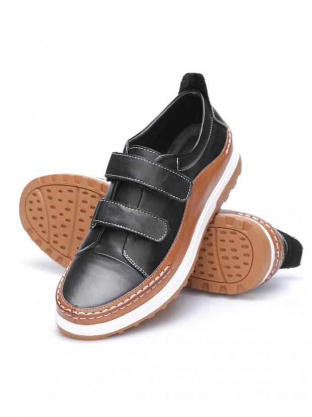 魔术贴休闲皮鞋