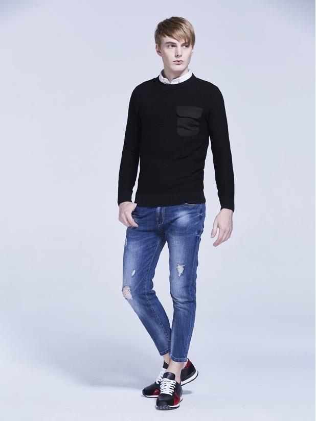 黑色 圆领毛衫