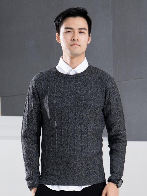 灰色轨迹 圆领毛衫