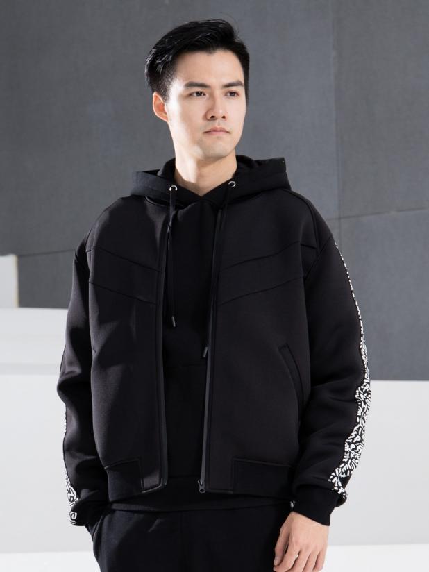 AIR轻感太空棉运动外套