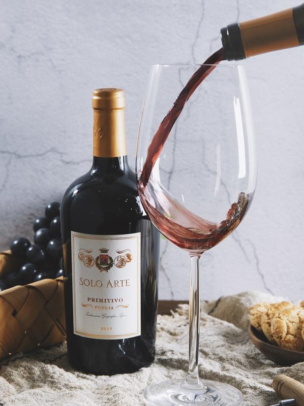 意大利独奏家红葡萄酒