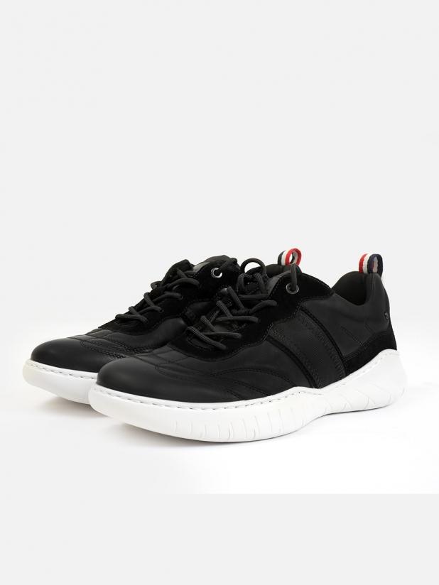 轻软舒适运动鞋
