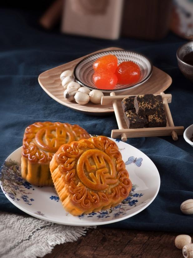 一些事一些情双黄莲蓉月饼