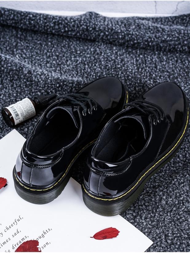 学院风 女款小皮鞋