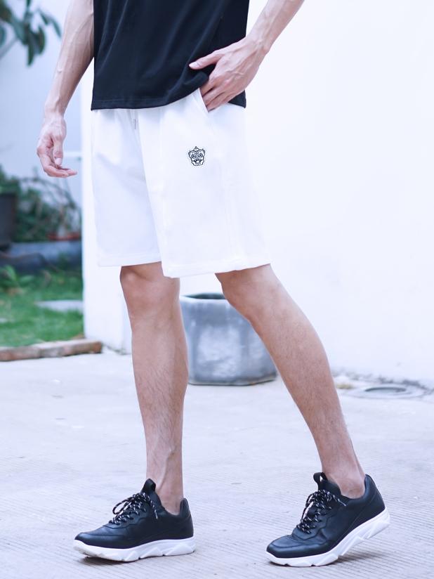 LION 运动休闲短裤 白色
